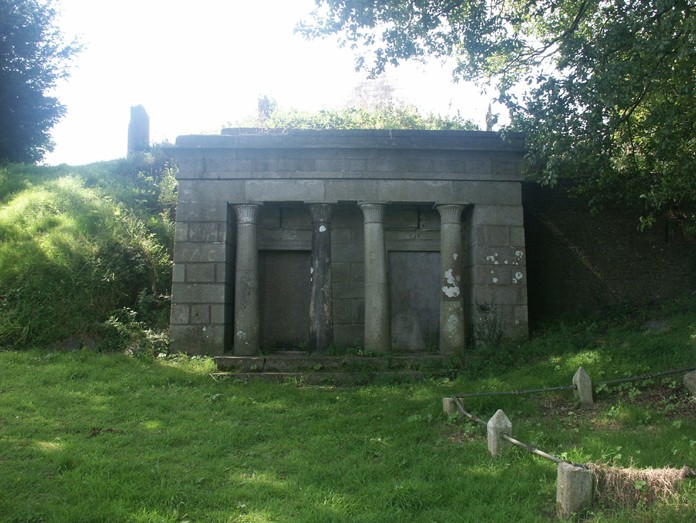 Howard Mausoleum, Wicklow 03 - Temple Front