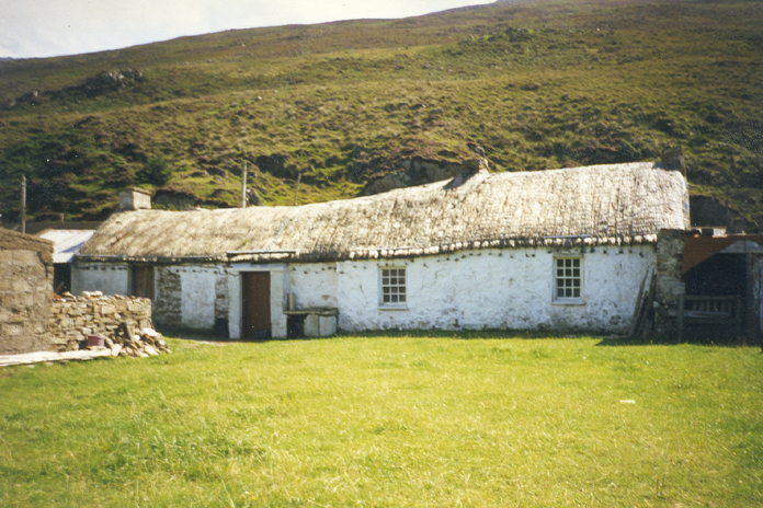 Thatched House, Lenankeel 01 - Thatched House, Lenankeel (August 1997)