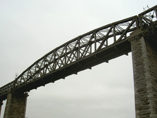 Central truss span